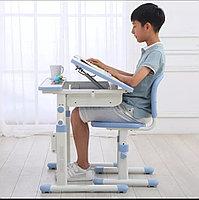 Детский рабочий стол и стул набор