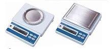 Весы лабораторные электронные ELB6000S, НПВ 6000г, d=1г; внешняя калибровка; платформа 170х130 мм