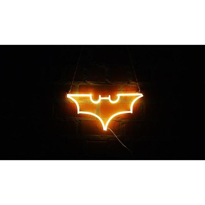 """Неоновая вывеска """"Бэтмен"""", 45.3 х 23.7 см"""