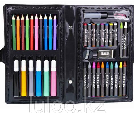 Набор юного художника в чемоданчике - 42 предмета.