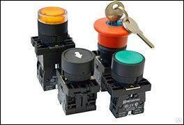 Головка кнопки плоская с маркировкой белый пласт. MTB2-EA334