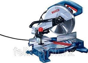 Торцовочная пила-стусло по дереву Bosch GCM 10 MX