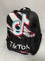Детский рюкзак для девочек в детский сад,3-4 года.Высота 26 см, ширина 18 см, глубина 9 см.