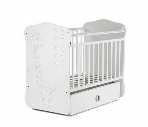 Детская кровать SKV- Жираф ростомер, маятник и ящик белая
