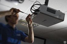 Монтаж проектора на бетонный/гипсокартонный потолок, включая декоративную прокладку кабельных трасс