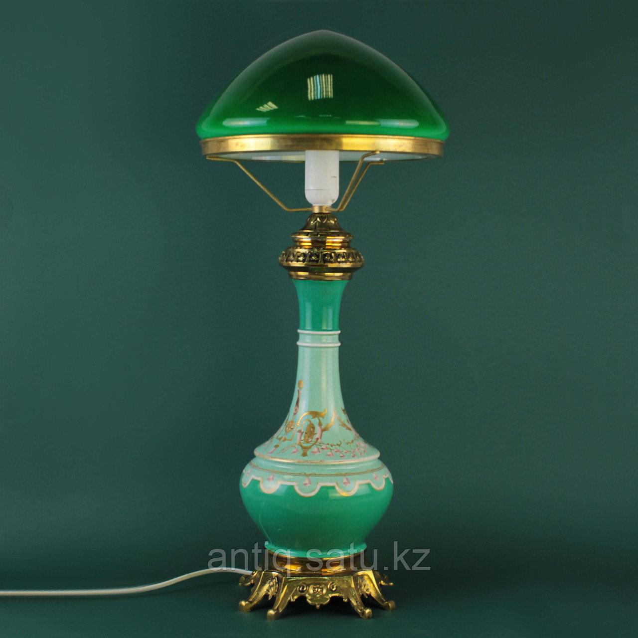 Настольная лампа с зеленым куполом. - фото 4