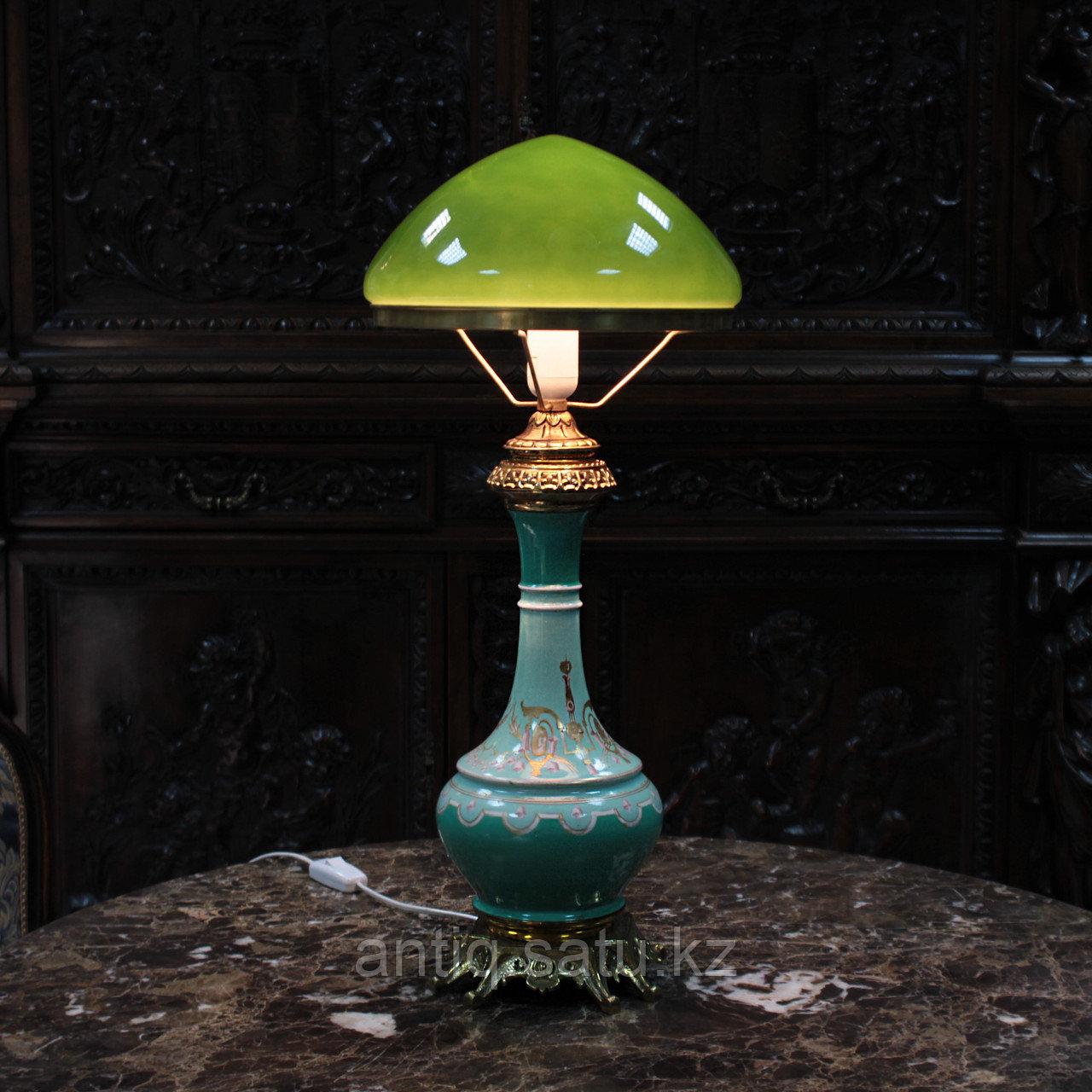 Настольная лампа с зеленым куполом. - фото 7