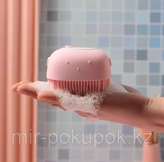 Антибактериальная силиконовая  мочалка с резервуаром для мыла