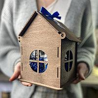 Деревянный подарочный ящик-домик. Размер 12*13*18 см