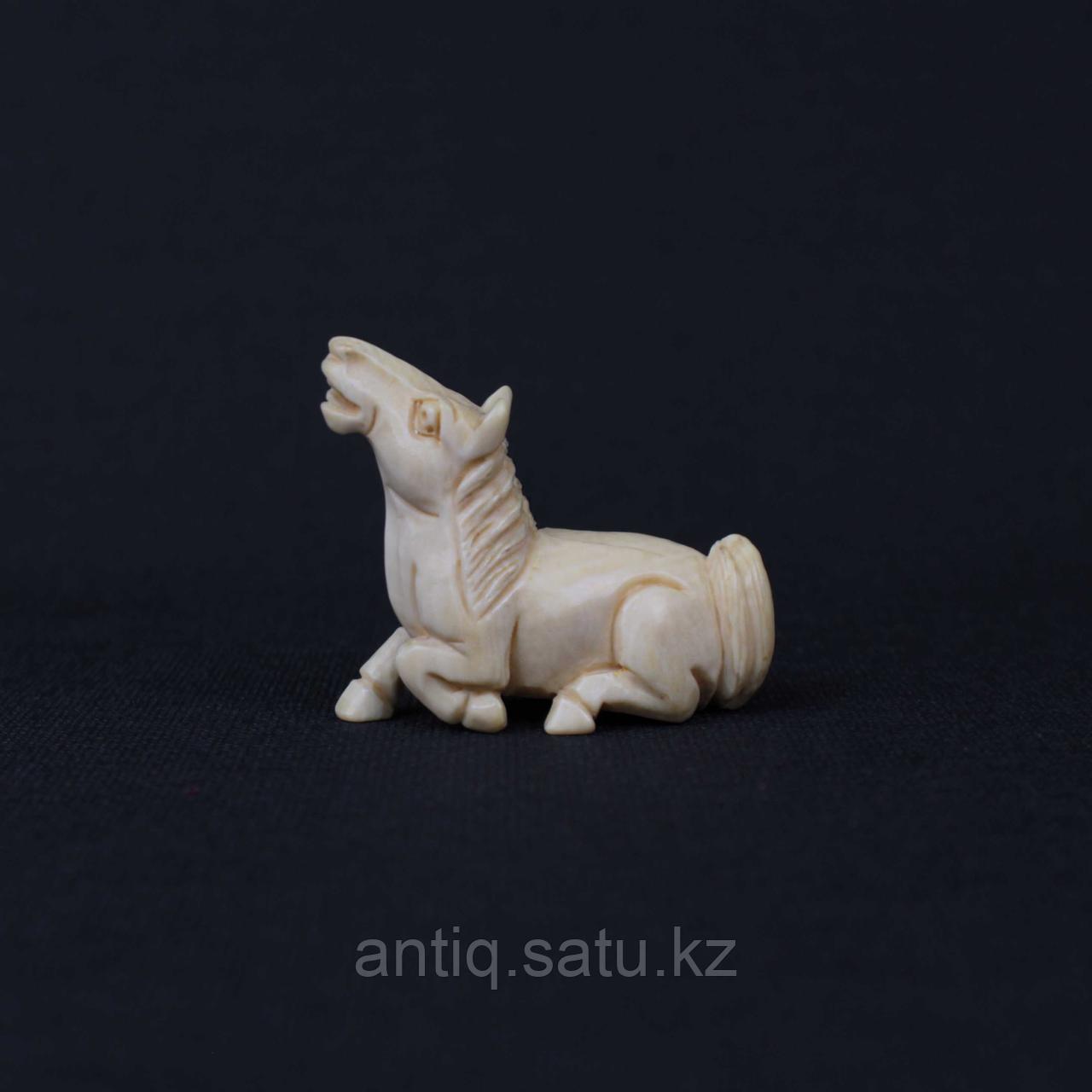 Нэцкэ белая Лошадь. Слоновая кость - фото 1