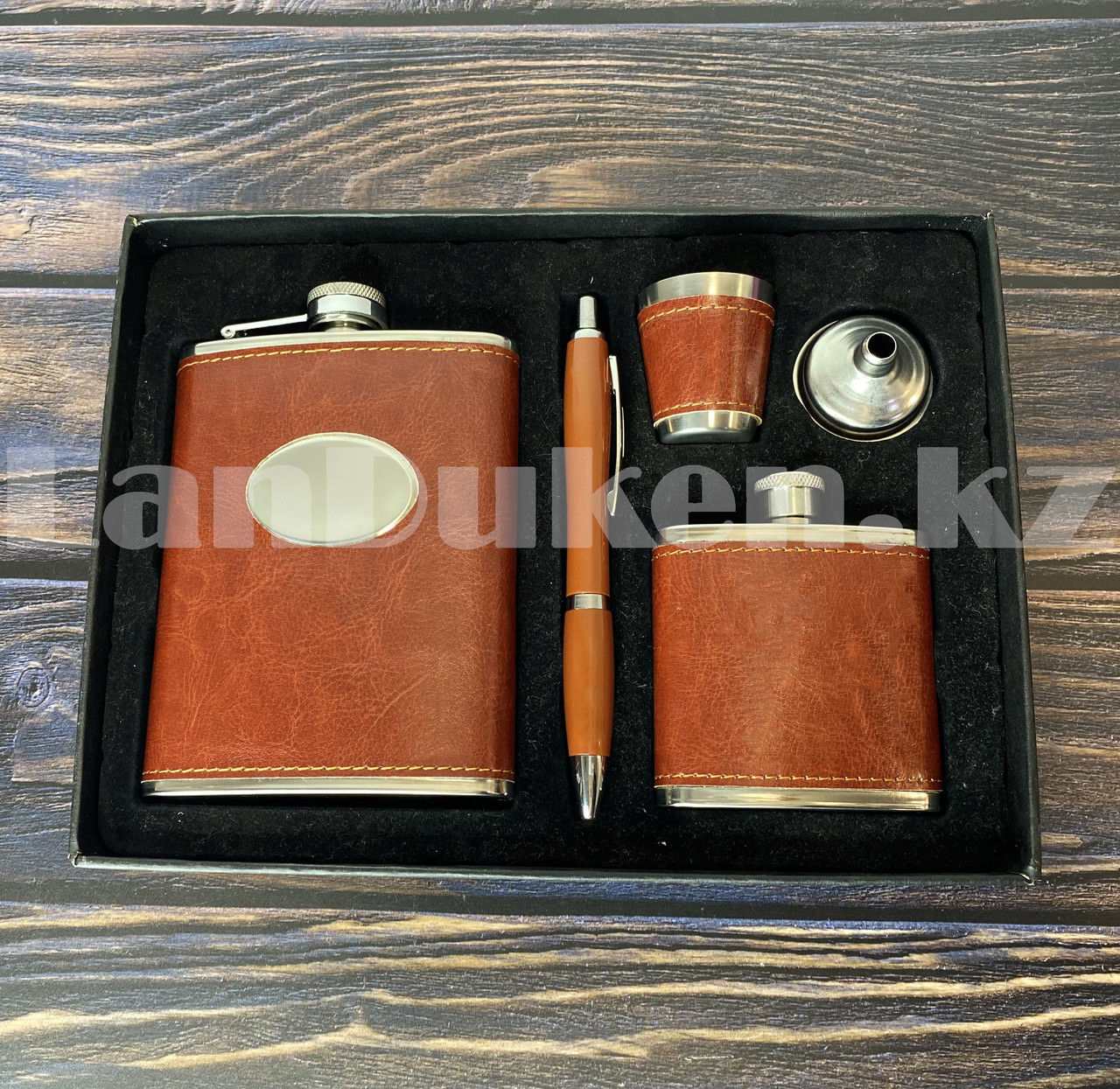 Мужской набор (фляга 250 мл фляга 100 мл рюмка воронка ручка) в подарочной коробке - фото 8