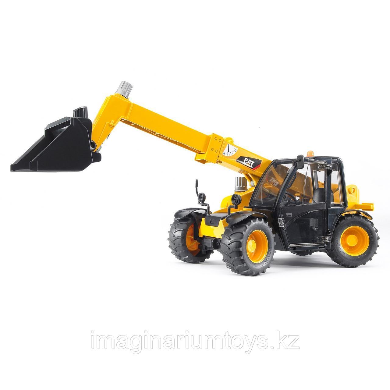 Bruder игрушечный трактор с телескопическим ковшом CAT