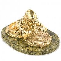 """Статуэтка """"Сантехник"""" из бронзы на подставке из змеевика"""