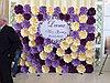 Пресс стена с цветами