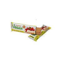 Батончик BombBar - VEGAN Protein Bar (Банановый торт с клубникой), 60 гр