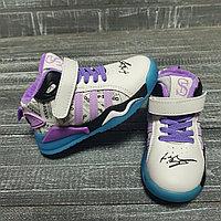 Кроссовки Adidas air фиолетовые шнурки