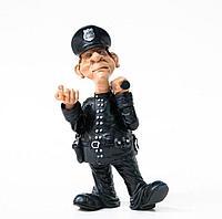 Статуэтка полицейского