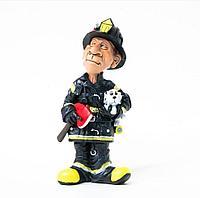 Статуэтка пожарного