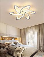 Потолочная светодиодная люстра «Цветок» на 6 ламп 6613-6WT