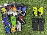 Футбольные щитки с фиксатором Nike Mercurial