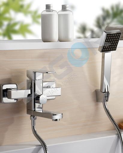Смеситель для ванны Zegor LEB3-A123 (короткий излив)