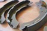 Колодки тормозные задние барабанные Mitsubishi L200 KB4T, фото 3