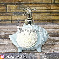 Дозатор для жидкого мыла, с губкой. Материал: Керамика. Цвет: Голубой.