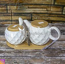 Чайный набор. Заварочный чайник и сахарница с ложечкой. Материал: Керамика. Цвет: Белый/Натуральный.