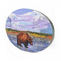"Панно из камня на подставке ""Медведь в реке"" 19х3,5х13 см"