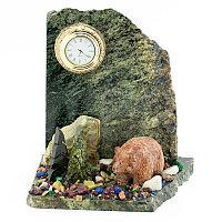 """Настольные часы из камня """"Мишка на скале"""""""