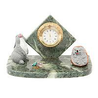 """Часы """"Заяц и ежик"""" змеевик"""