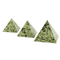 Пирамида 7,5х7,5 см камень змеевик