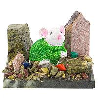 """Сувенир """"Мышка в зеленом свитере"""" змеевик самоцветы"""