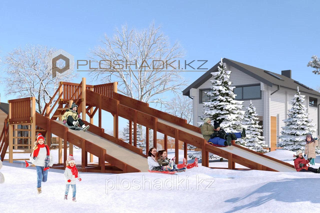 Детская зимняя площадка Савушка Зима-7, (9,67 х 3,45 х 3,0), заливной скат (2), широкая лестница.