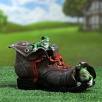 "Фигурное кашпо ""Ботинок с лягушками"" 15х24см, фото 1"