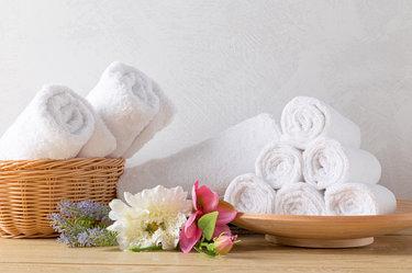 Как отстирать белые махровые полотенца