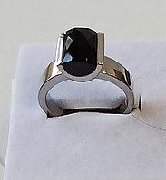 Кольцо с ониксом / размер 21