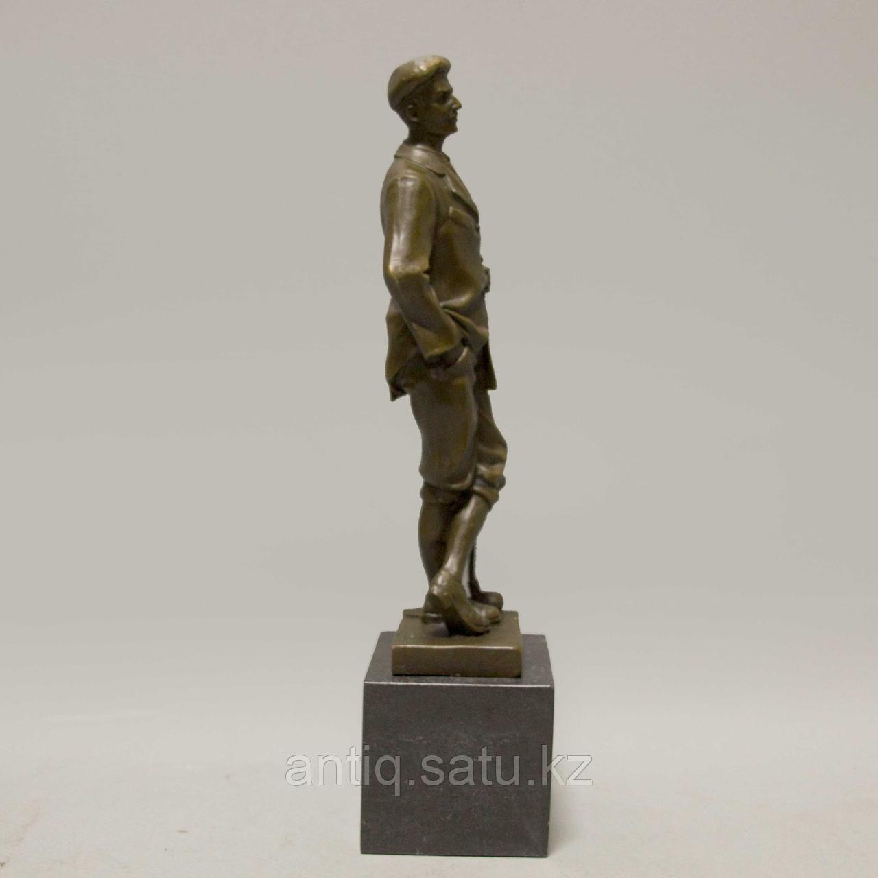 Игрок в гольф. По авторской модели итальянского скульптора Ernesto Cesaro - фото 3