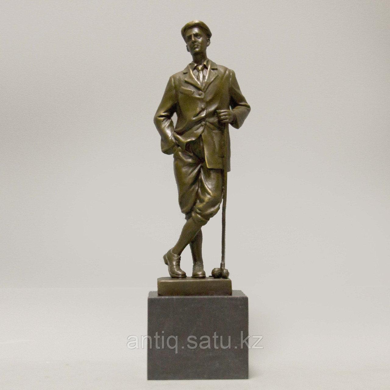 Игрок в гольф. По авторской модели итальянского скульптора Ernesto Cesaro - фото 1