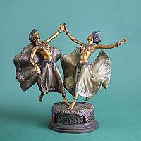 Танцующие в гареме. Привезена из Голландии. ХХ век