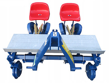 Рассадопосадочная машина польская навесная Польша Agro-Max