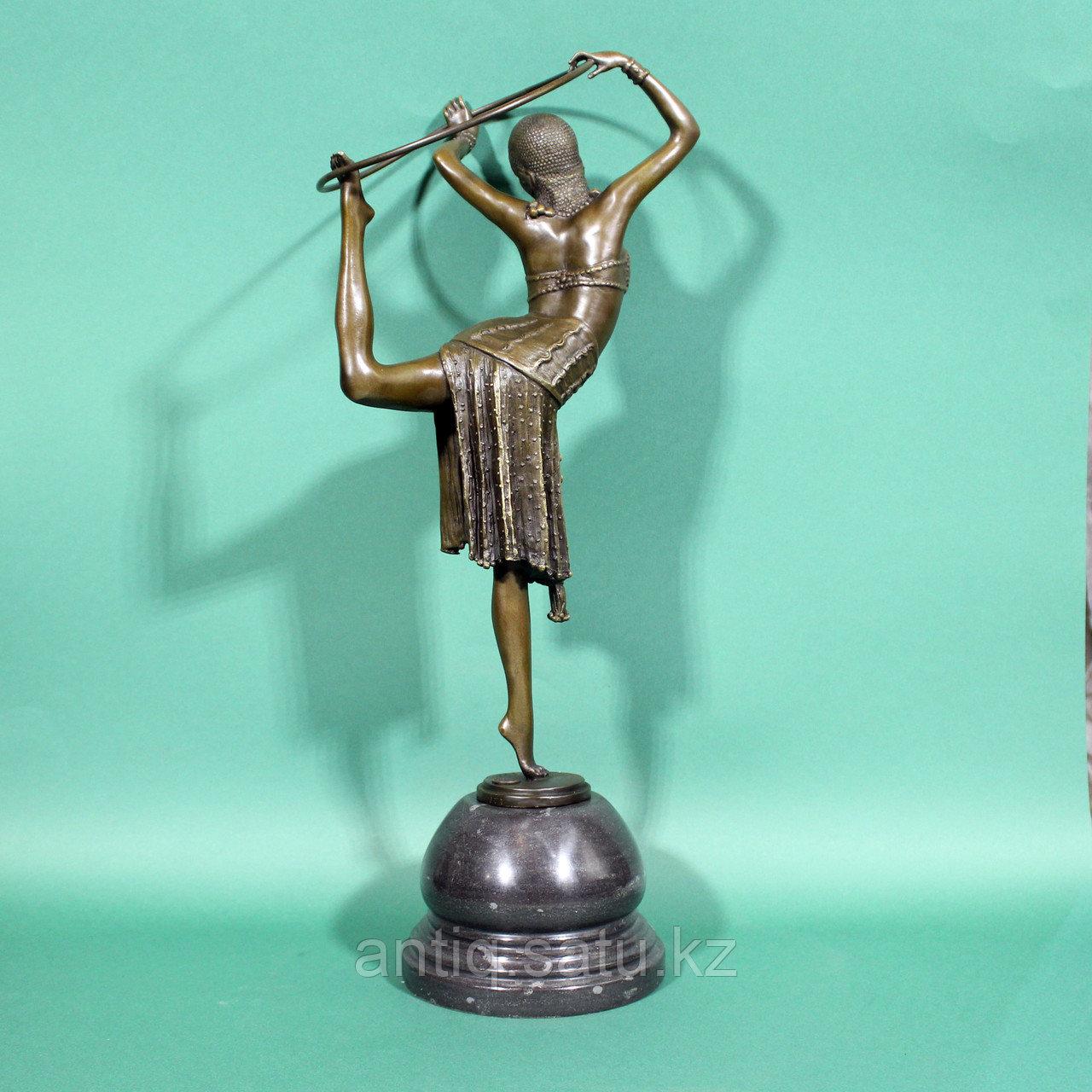 Танцовщица с обручем. По модели французского скульптора Demetre H. Chiparus - фото 2