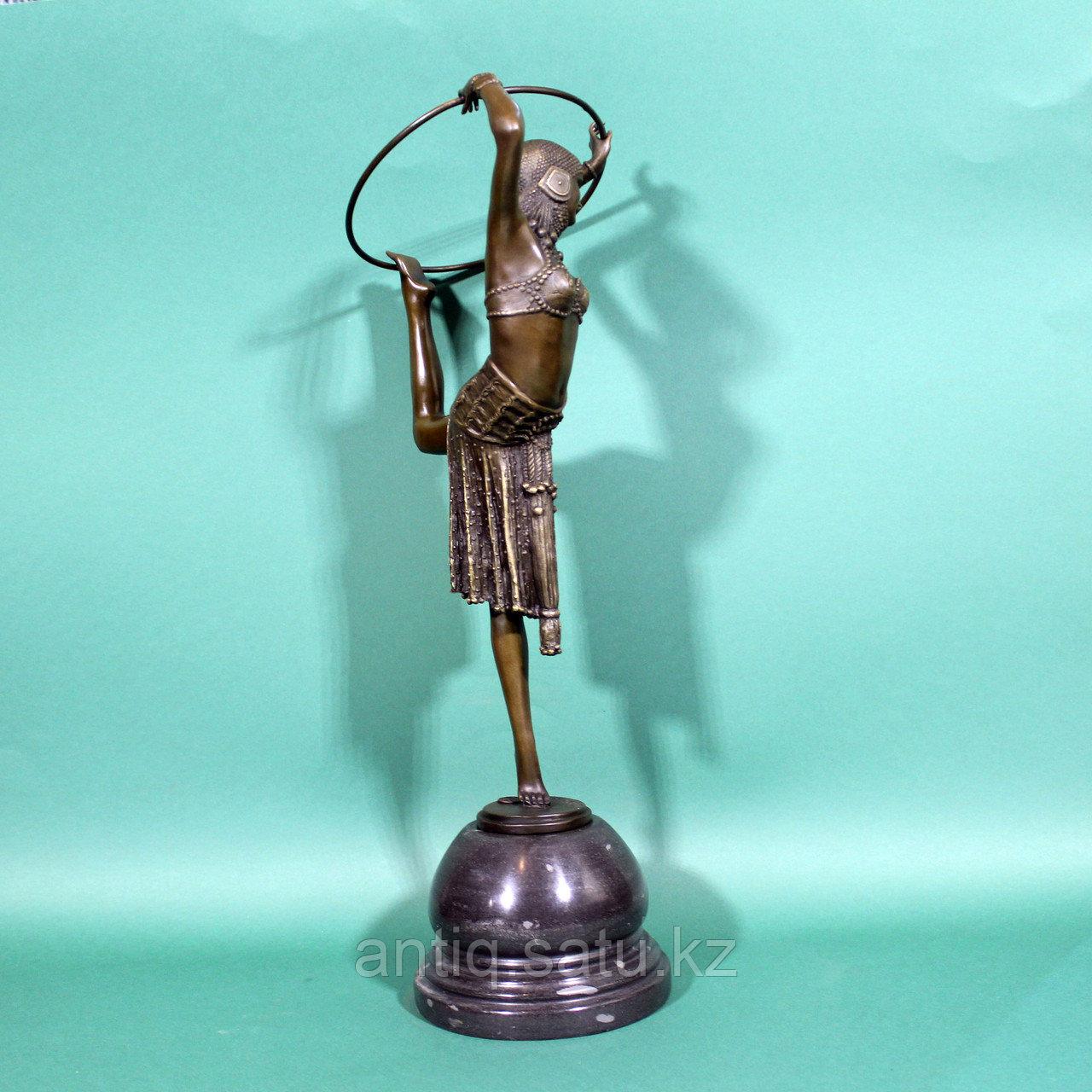 Танцовщица с обручем. По модели французского скульптора Demetre H. Chiparus - фото 3