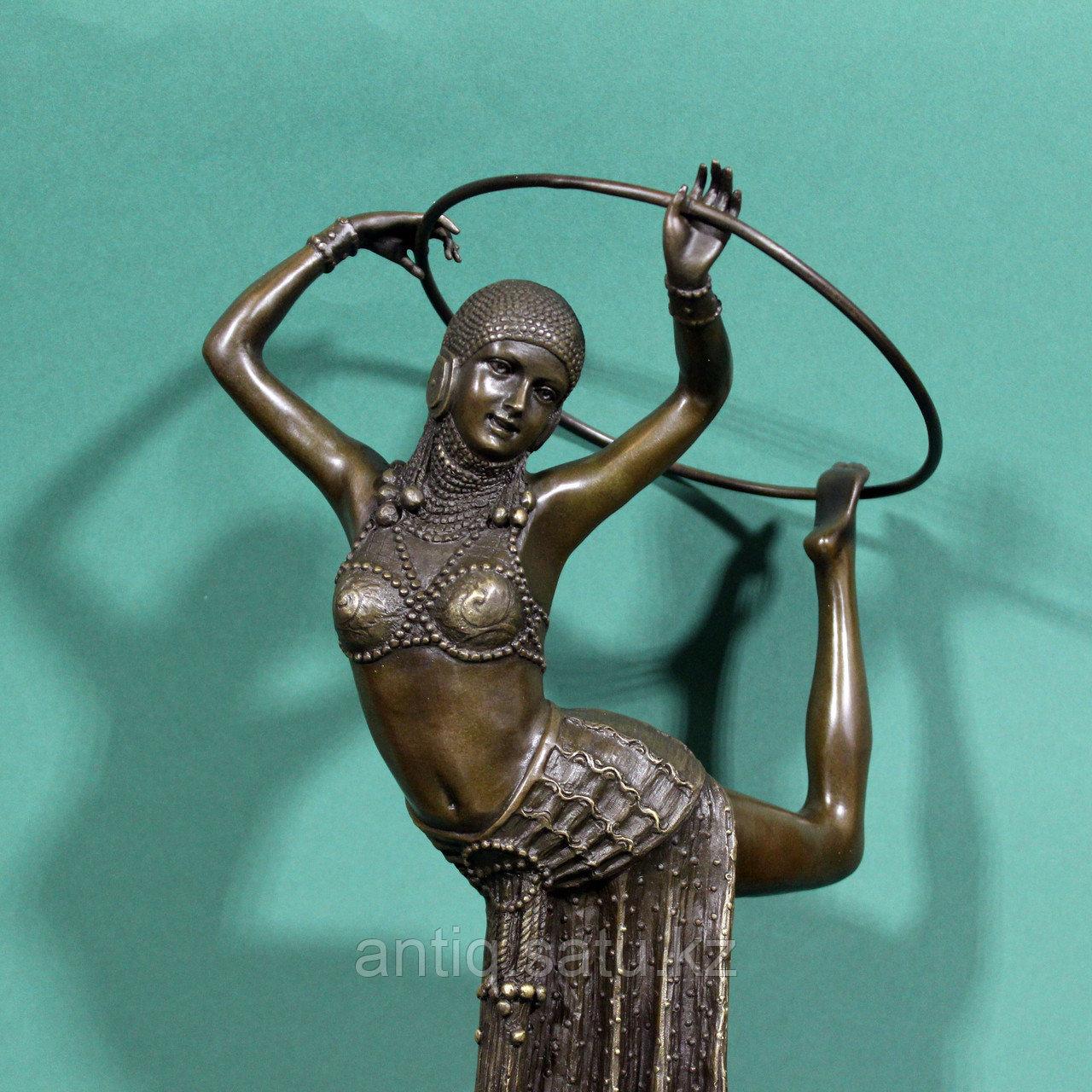 Танцовщица с обручем. По модели французского скульптора Demetre H. Chiparus - фото 6