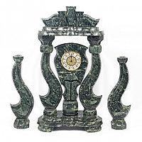 """Часы """"Корона"""" с подсвечниками из змеевика"""