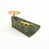 Подсвечник с ящерицей камень змеевик