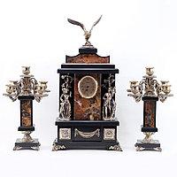 """Каминные часы с канделябрами """"Охота"""" из натуральной яшмы и бронзы"""