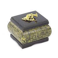 Шкатулка с ящерицей камень змеевик 7х6х6 см