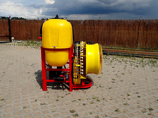 Садовый опрыскиватель 600литров Польша (вентиляторный), фото 2