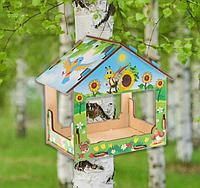 Кормушка деревянная для птиц с цветным рисунком 18х13х19 см